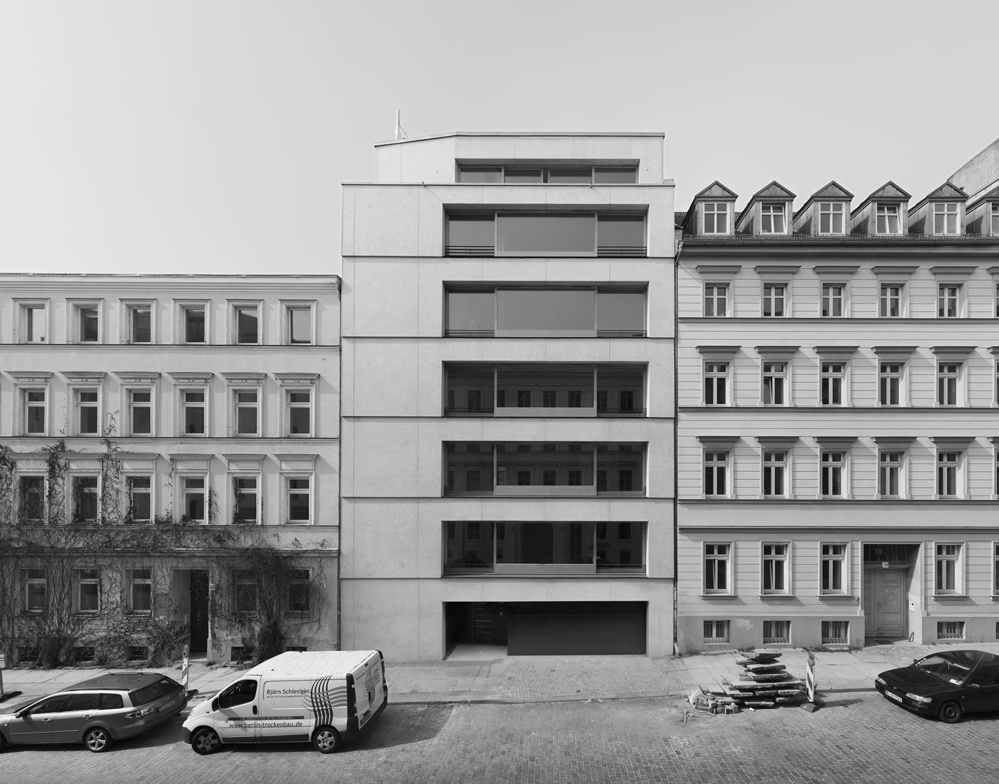 zanderroth architekten – Wohnhaus Christinenstraße 39 in Berlin, Foto: © Simon Menges