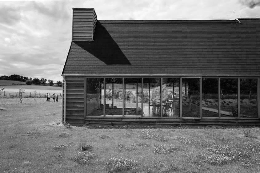 Schwarzes Haus in der Uckermark