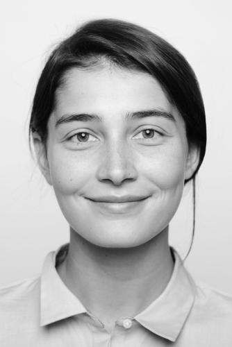 Jana Ring Portrait